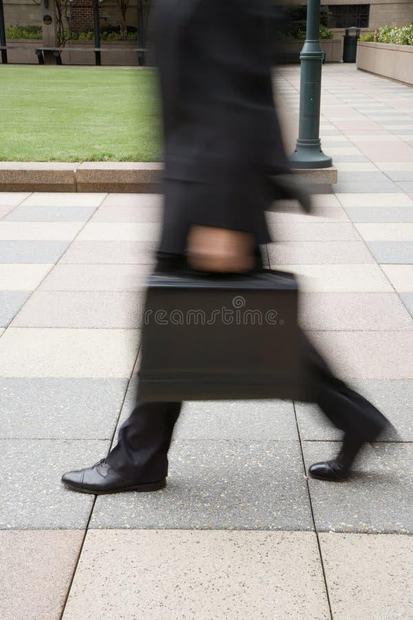 Hombre de negocios de precipitación. imagenes de archivo