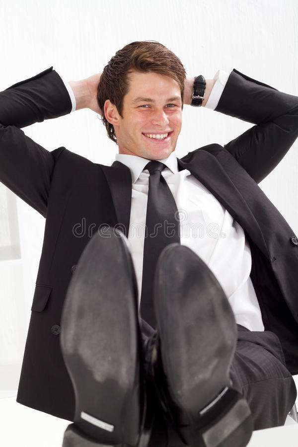 Hombre de negocios de relajación imagenes de archivo