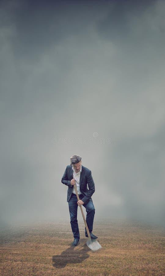 Hombre de negocios de trabajo duro imagen de archivo