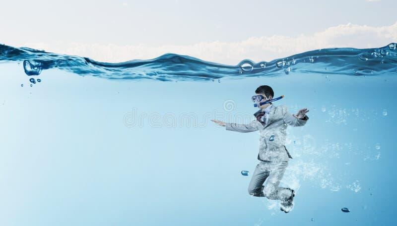 Hombre de negocios del salto Imagen del concepto imagen de archivo