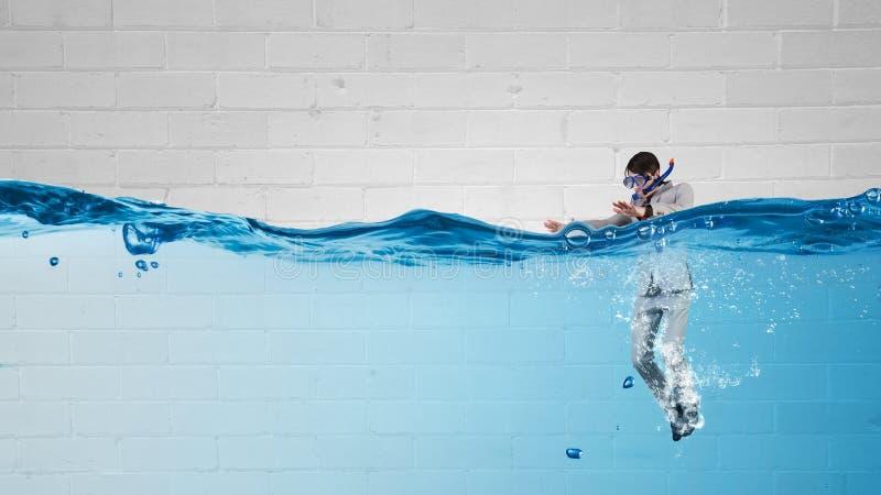 Hombre de negocios del salto Imagen del concepto fotografía de archivo libre de regalías