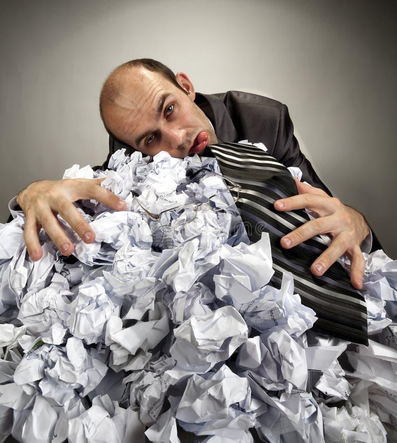 Hombre de negocios depresivo agotado imagenes de archivo
