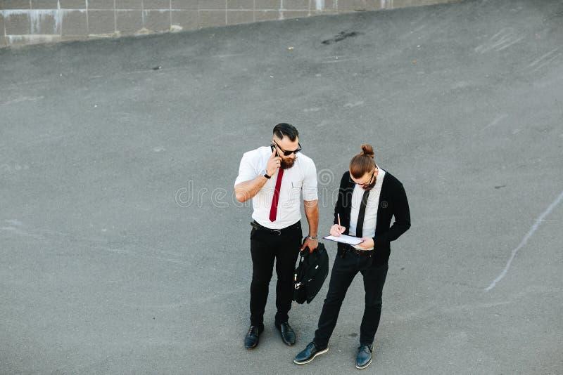 Hombre de negocios dos en el trabajo fotografía de archivo libre de regalías