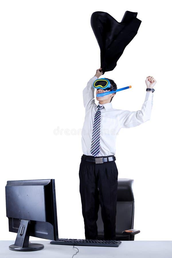 Hombre de negocios emocionado con la máscara que bucea 2 imágenes de archivo libres de regalías