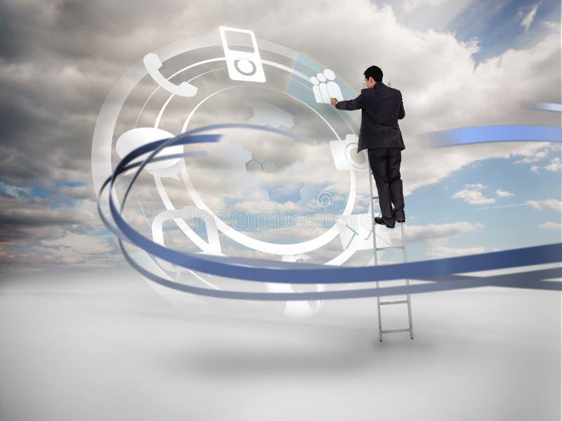 Hombre de negocios en el interfaz conmovedor de la rueda de la escalera de usos stock de ilustración