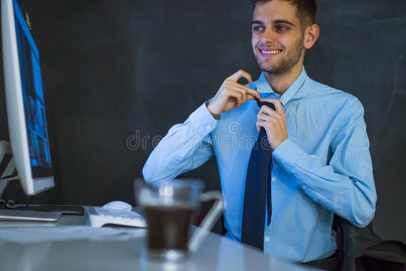 Hombre de negocios en la oficina fotografía de archivo