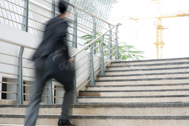 Hombre de negocios en prisa fotografía de archivo