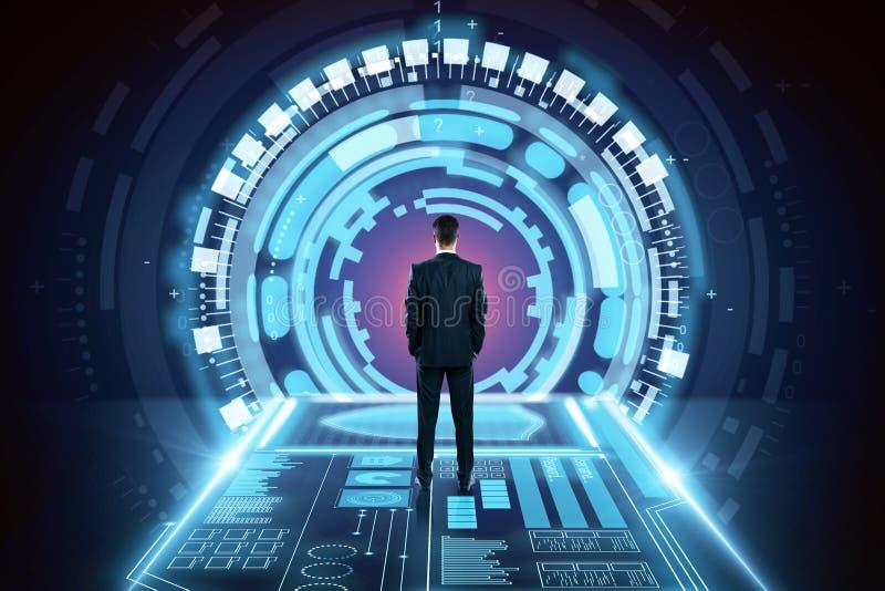 Hombre de negocios en túnel del espacio imágenes de archivo libres de regalías