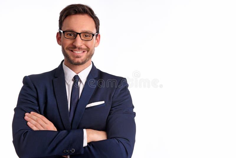 Hombre de negocios en traje de la oficina y lazo aislado en el fondo blanco foto de archivo libre de regalías