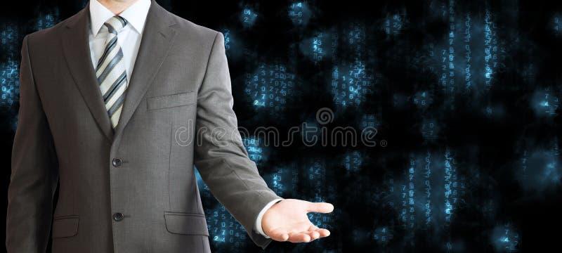 Hombre de negocios en un traje Figuras que brillan intensamente azules fotografía de archivo
