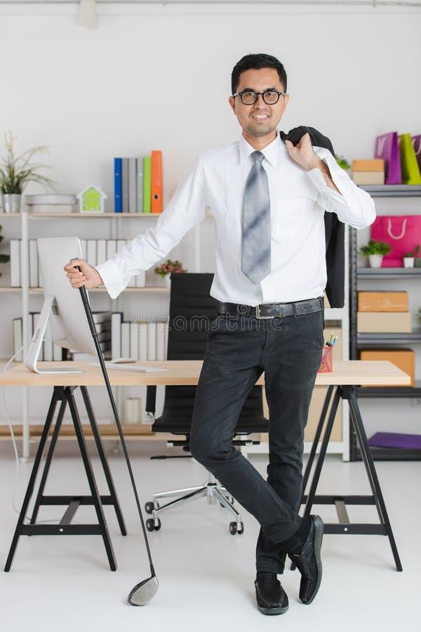 Hombre de negocios joven en el trabajo imágenes de archivo libres de regalías