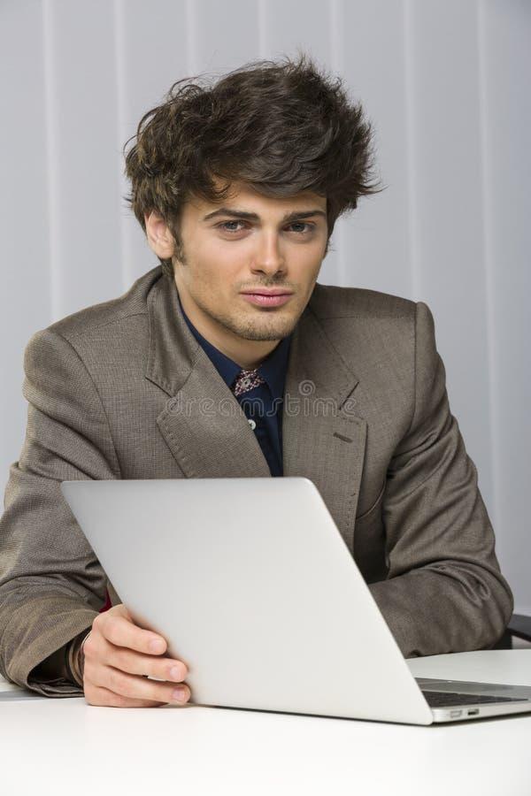 Hombre de negocios joven hermoso fotografía de archivo