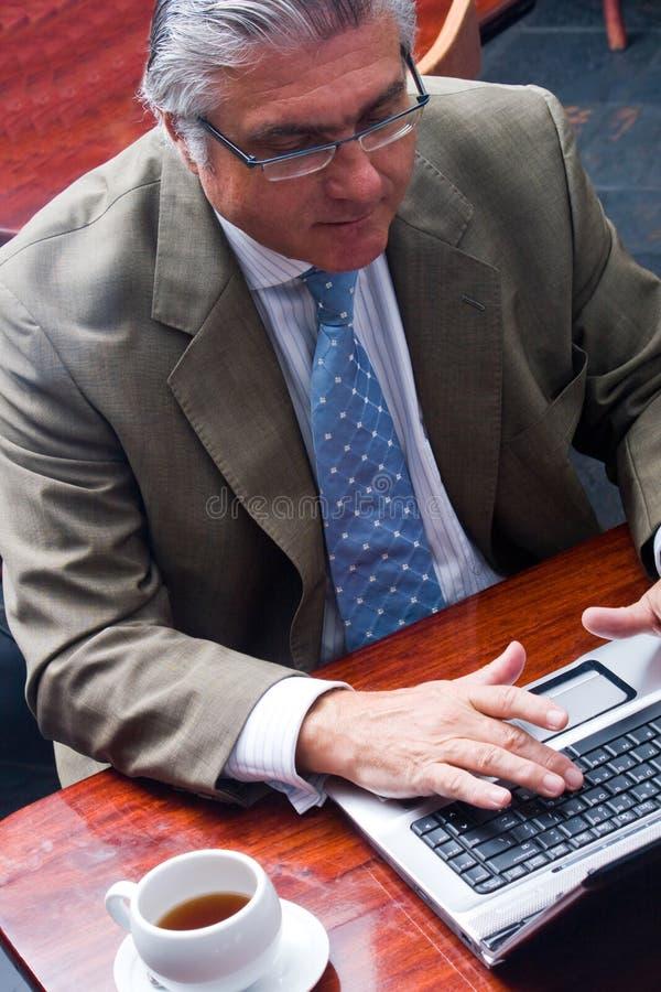 Hombre de negocios mayor imagen de archivo libre de regalías