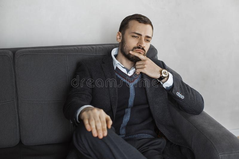 Hombre de negocios moderno Hombre confidente en juego foto de archivo libre de regalías