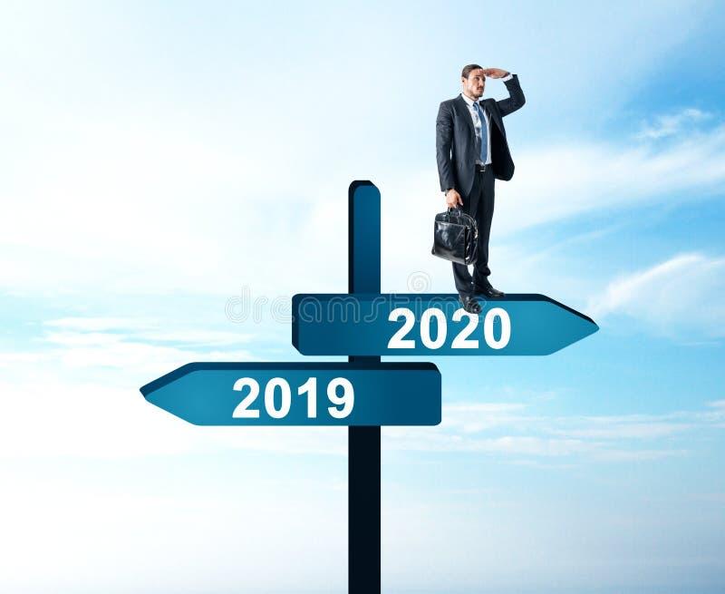 Hombre de negocios 2019, muestra 2020 libre illustration