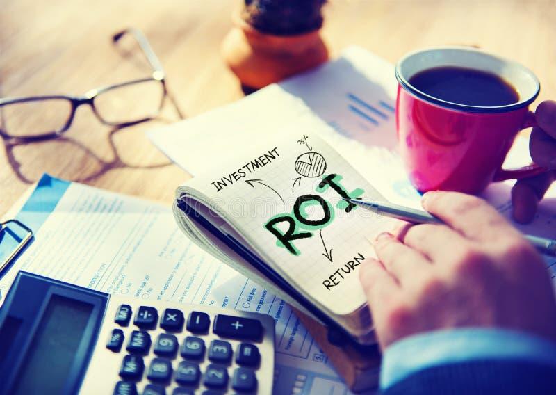 Hombre de negocios Notepad Roi Word Concept fotos de archivo libres de regalías