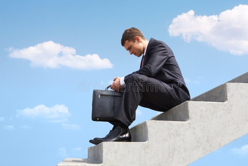 Hombre de negocios pensativo foto de archivo libre de regalías
