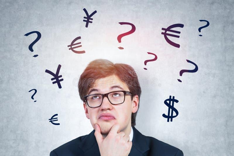 Hombre de negocios pensativo, opción de la moneda ilustración del vector
