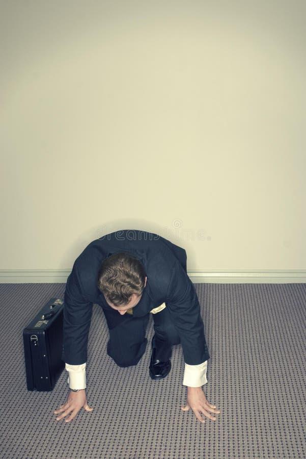 Hombre de negocios que consigue listo foto de archivo