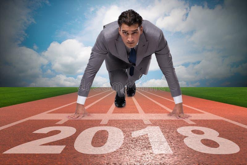 Hombre de negocios que corre hacia el Año Nuevo 2018 imágenes de archivo libres de regalías