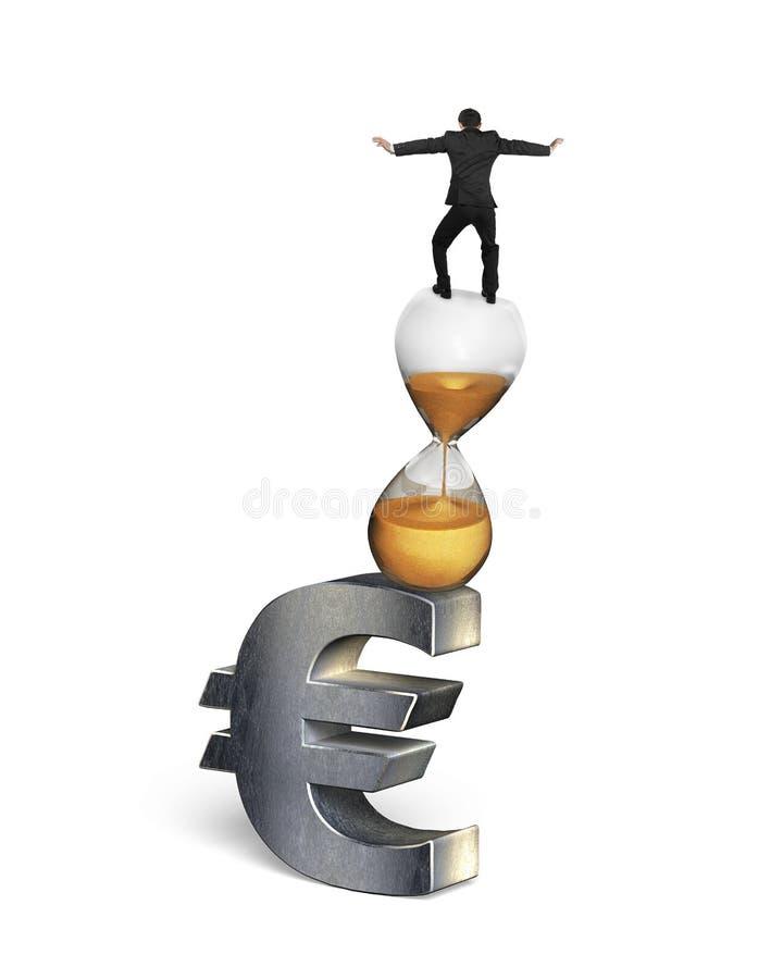 Hombre de negocios que equilibra en muestra del reloj de arena y del euro ilustración del vector