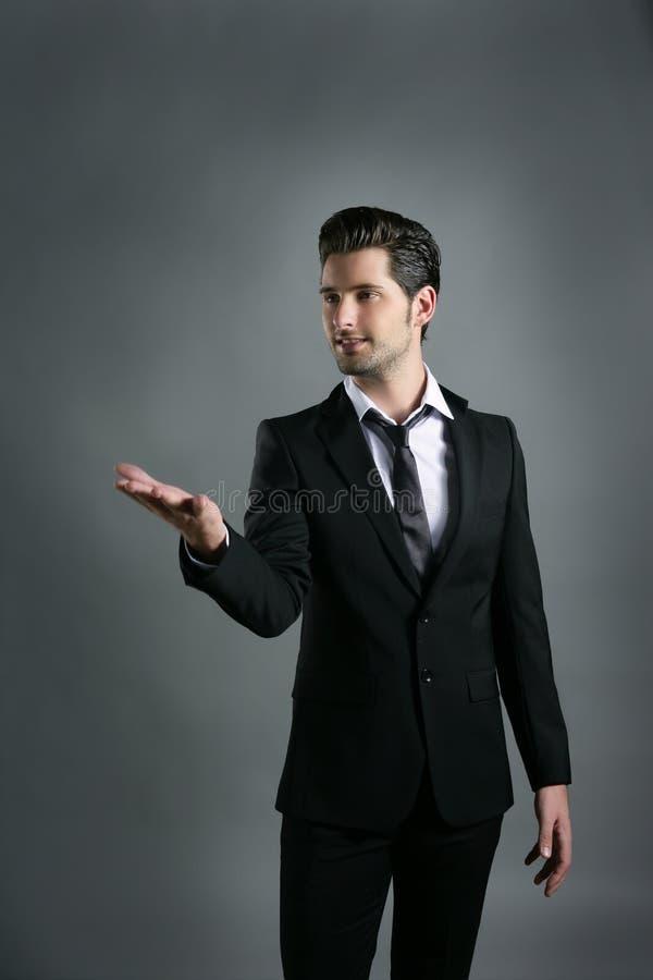 Hombre de negocios que levanta gesto de mano abierto imagen de archivo libre de regalías