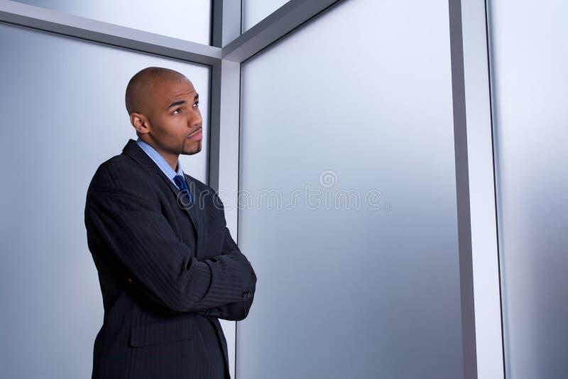 Hombre de negocios que parece preocupado imagenes de archivo