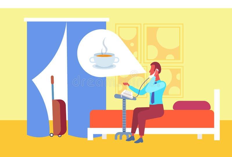 Hombre de negocios que piensa en el café que llama a la recepción que hace el interior de la habitación de la cama de la huésped  libre illustration