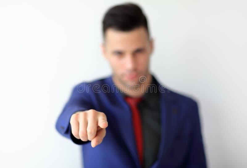 Hombre de negocios que señala su dedo en usted foto de archivo