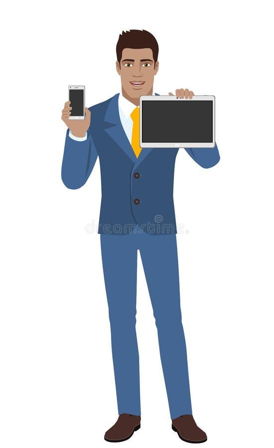Hombre de negocios que sostiene el teléfono móvil y la tableta digital stock de ilustración