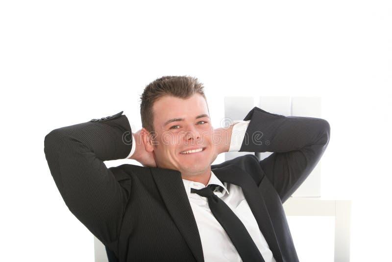 Hombre de negocios sonriente confiado relajado imágenes de archivo libres de regalías