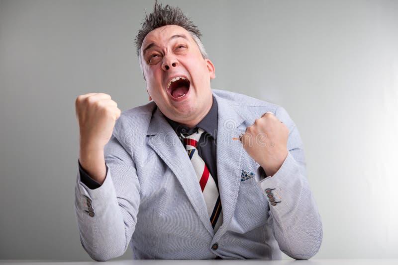 Hombre de negocios temperamental enojado frustrado fotos de archivo libres de regalías