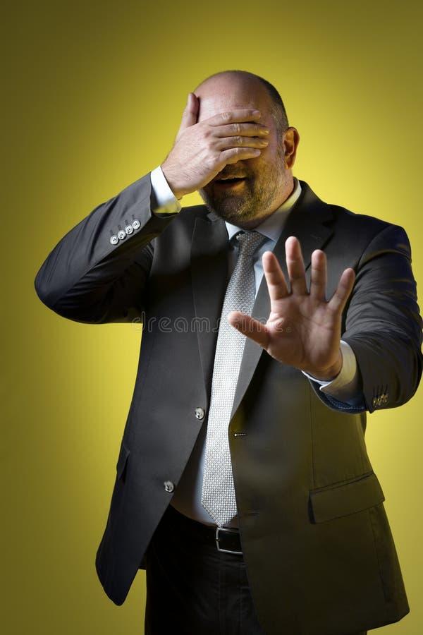 Hombre de negocios tensionado imagen de archivo libre de regalías
