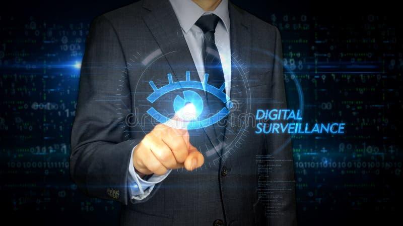 Hombre de negocios y pantalla con el holograma cibernético del ojo