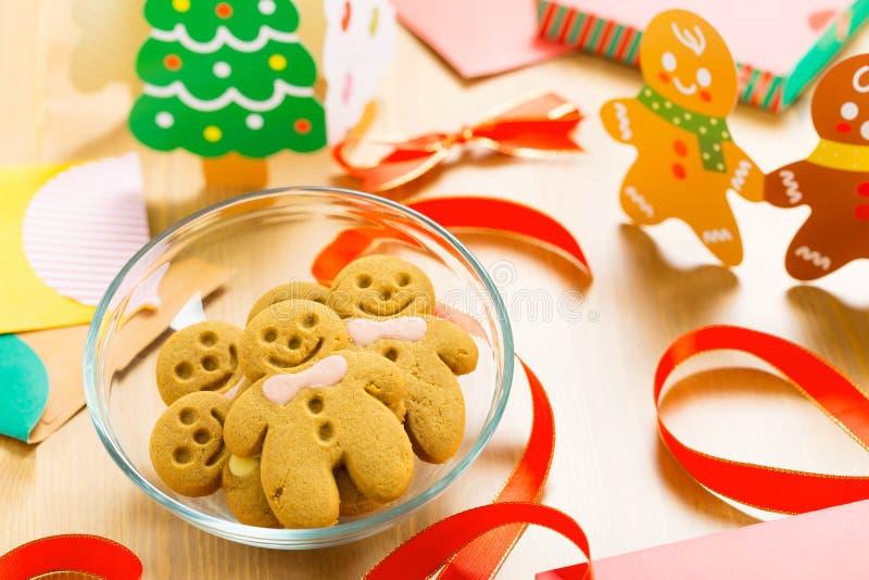 Hombre de pan de jengibre de Navidad imagen de archivo libre de regalías