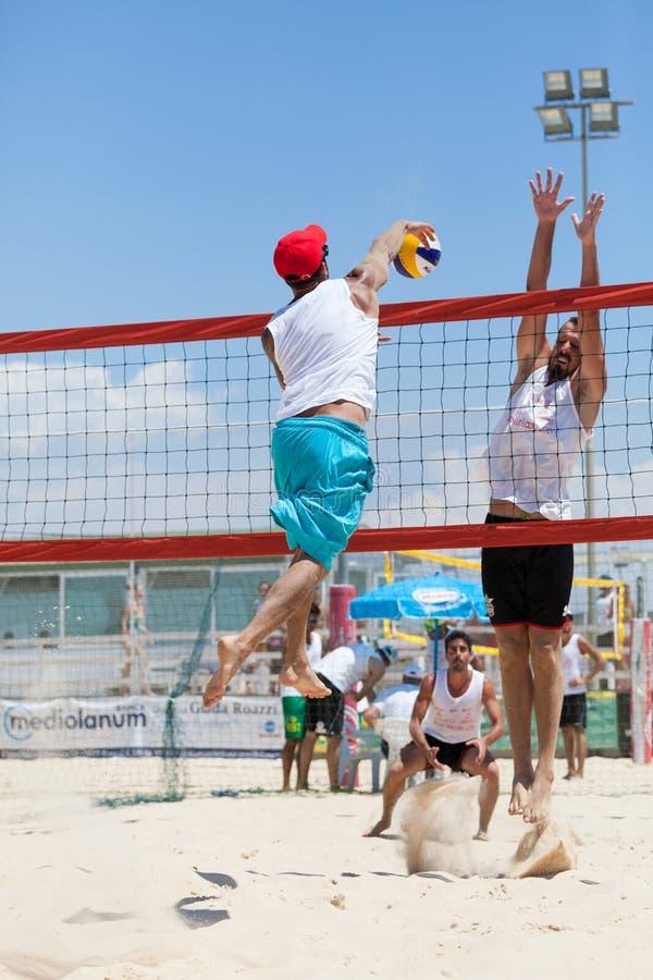 |Lujuria|Opinión - Página 2 Hombre-del-jugador-de-voleibol-de-playa-hombres-de-los-jugadores-66995100