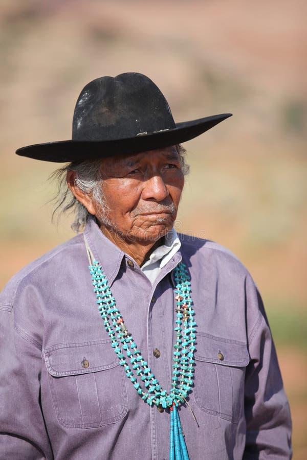 Hombre del nativo americano imagenes de archivo