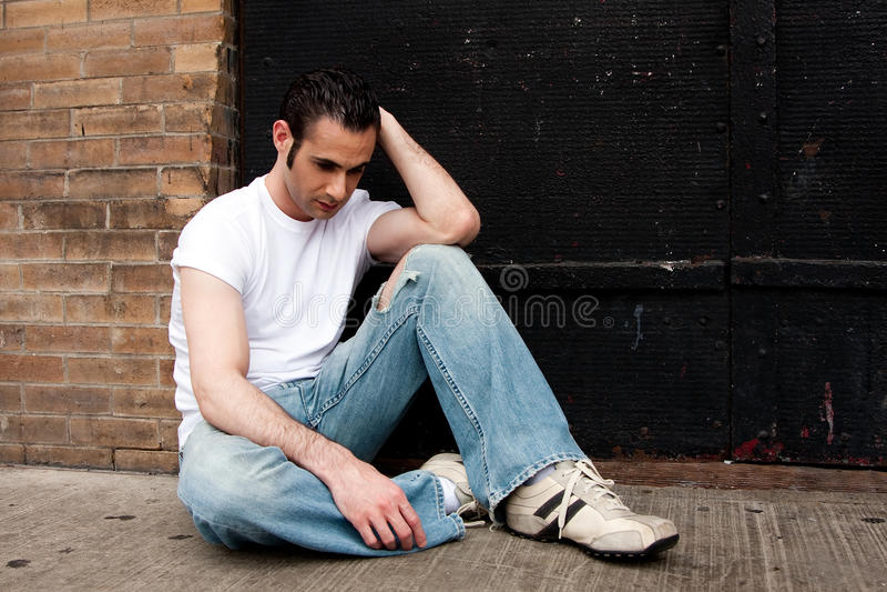 Hombre deprimido fotografía de archivo