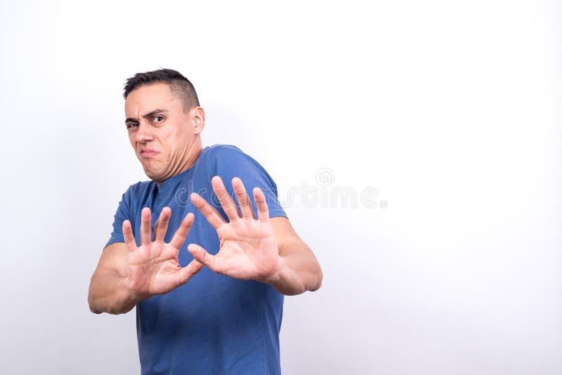 Hombre disgustado foto de archivo