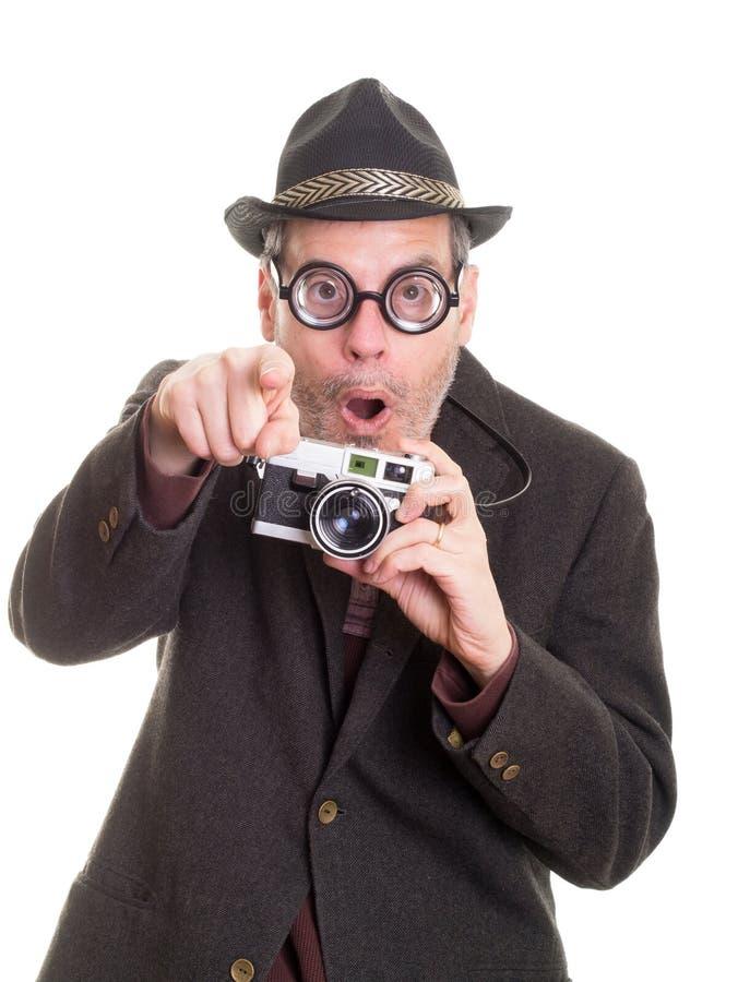 Hombre divertido emocionado con señalar de la cámara imágenes de archivo libres de regalías