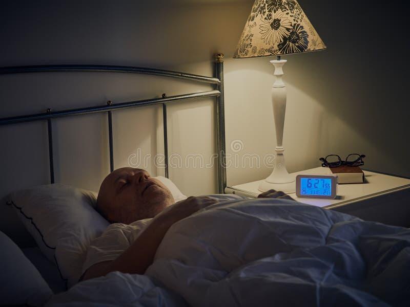 Hombre durmiente fotos de archivo