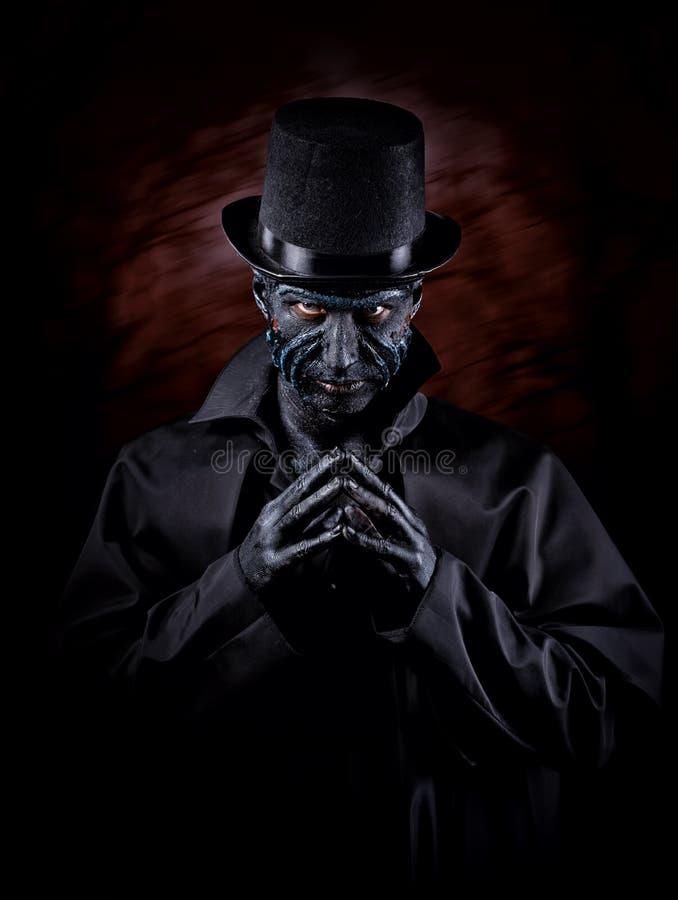 Hombre en maquillaje del monstruo imagenes de archivo