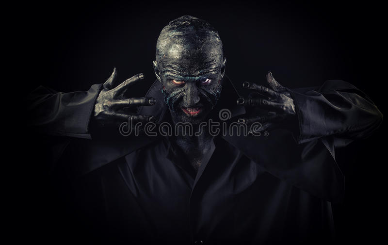 Hombre en maquillaje del monstruo imágenes de archivo libres de regalías