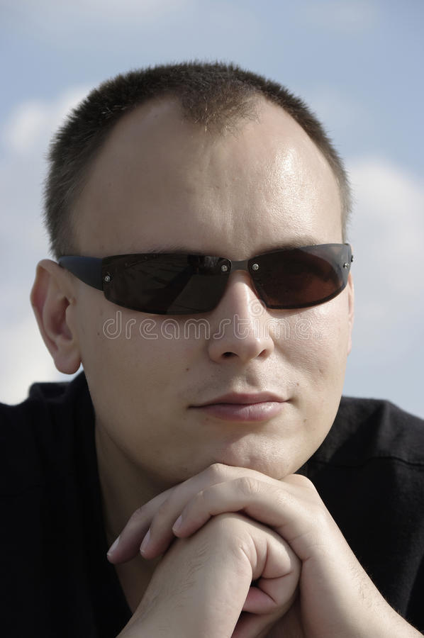 Hombre en sunglass fotos de archivo