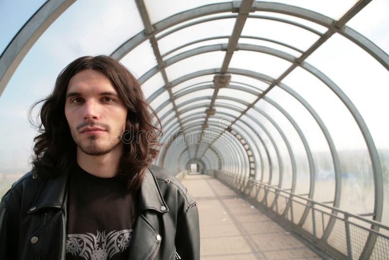 Download Hombre En Túnel Concéntrico Imagen de archivo - Imagen de transparente, cara: 7282065