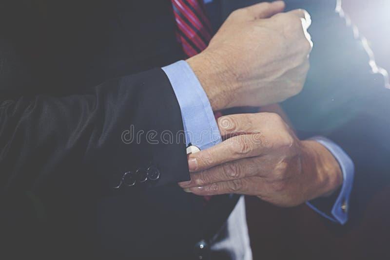 Hombre en traje imagen de archivo