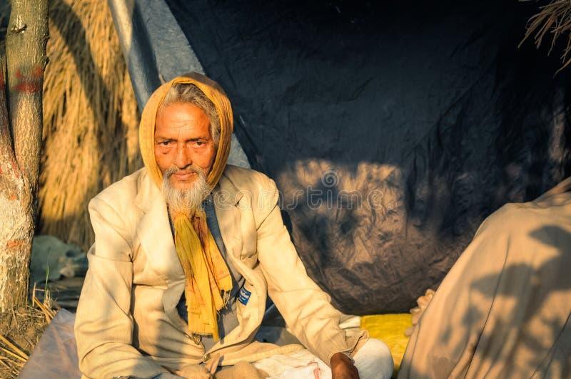 Hombre en traje en Bengala Occidental imagenes de archivo