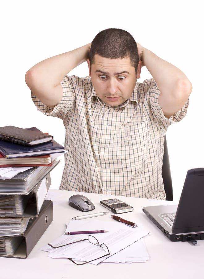 Hombre en una oficina imagen de archivo
