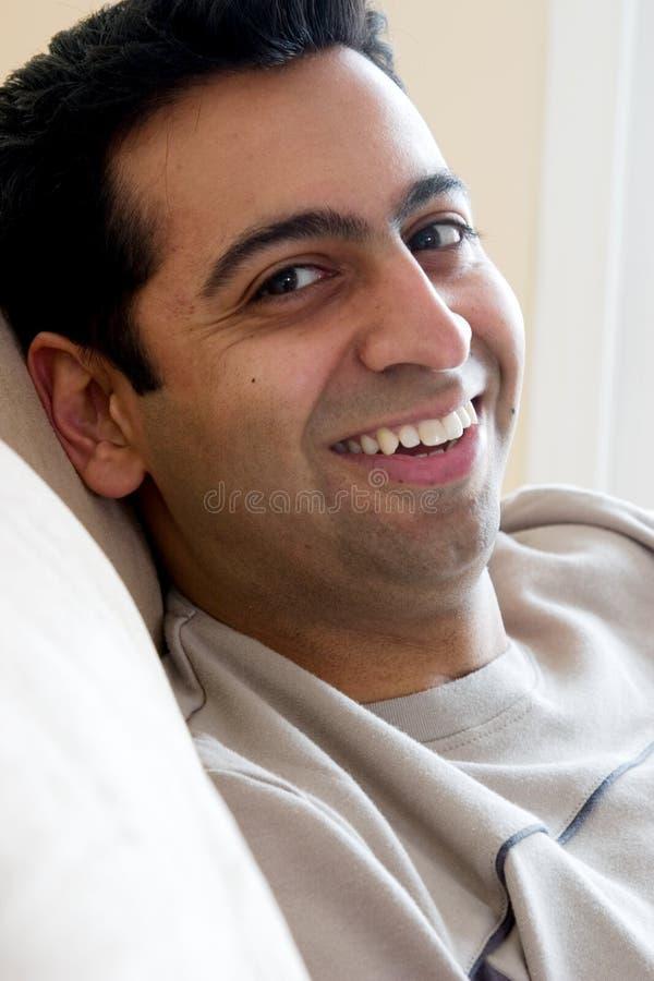 Hombre Este-Indio feliz foto de archivo