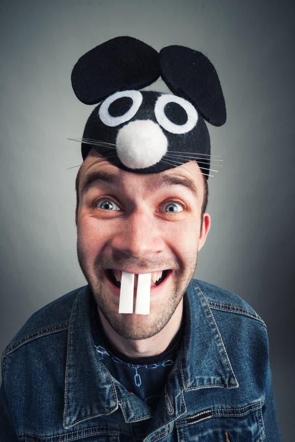 Hombre extraño con los oídos de ratón fotografía de archivo